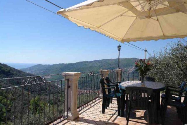 0697-02 Ferienwohnung Villa Ronchi Terrasse 1