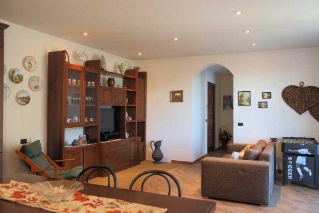0697-04 Ferienwohnung Villa Ronchi Wohnraum Bild 1