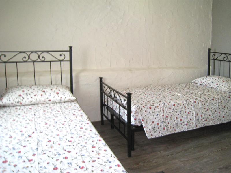 0628-14 Borgo Erbiola Ciclamino Schlafzimmer 2