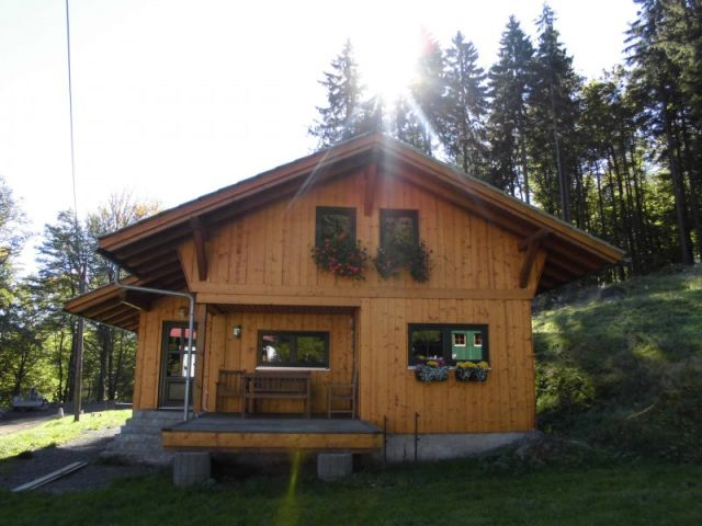 0711-01 Am Rennweg Waldhaus