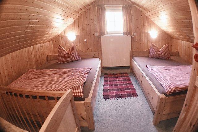 0711-12 Am Rennweg Berghütte Schlafzimmer