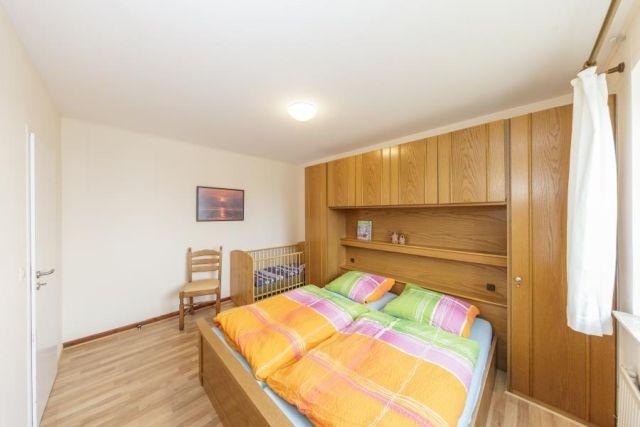 0714-06 Ferienwohnung Marbijes Schlafzimmer