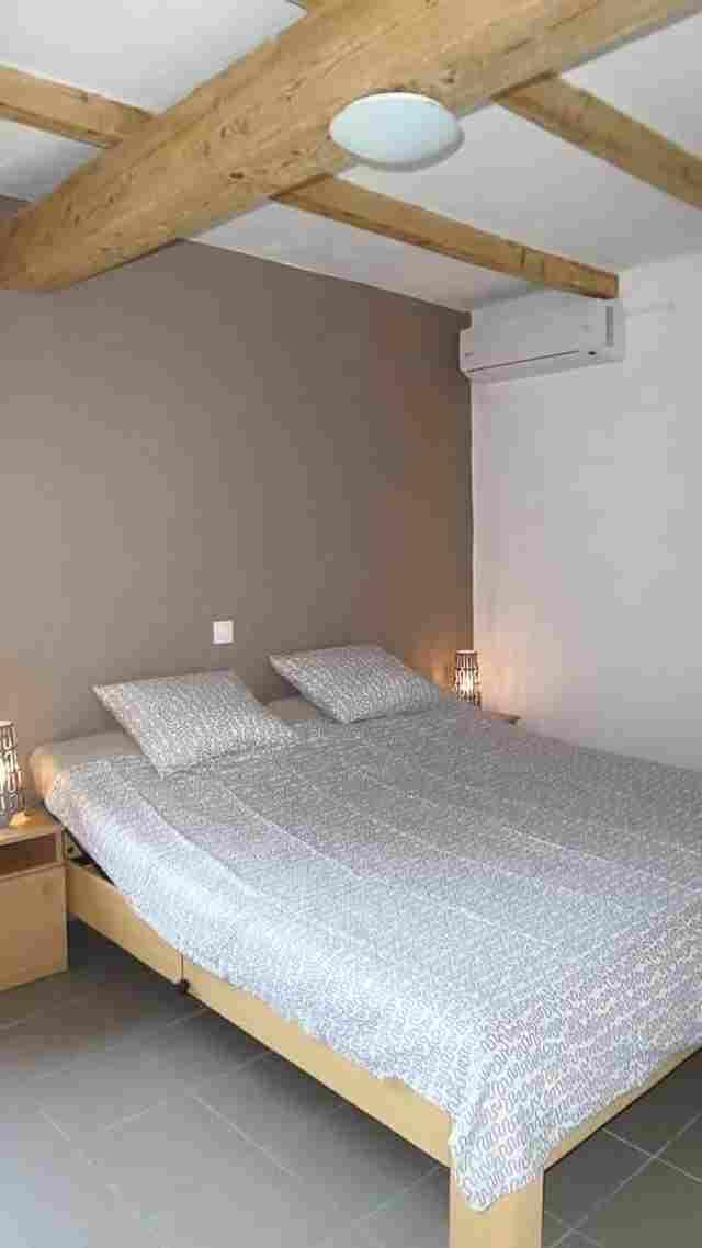 0721-17-Ferienhäuser-Horsetanya-Nigel-Schlafzimmer-Doppelbett