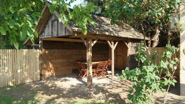 0721-18-Ferienhäuser-Horsetanya-Nigel-Terrasse