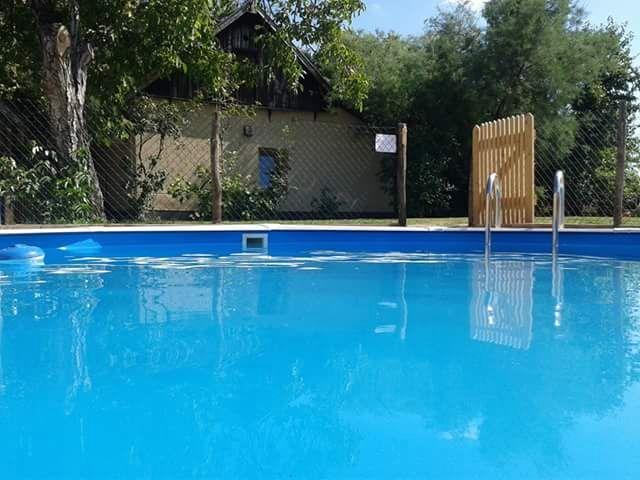 0721-20-Ferienhäuser-Horsetanya-Nigel-Pool