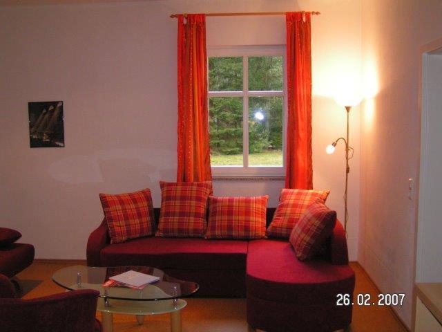 0723-03 Forsthaus Metzelthin große Fewo 1 Wohnzimmer Bild 2