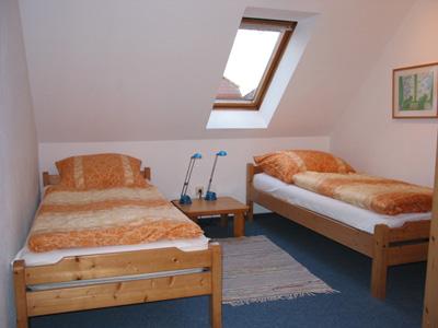 0739-08 Haus Frisia Schlafzimmer 2 Bild 1