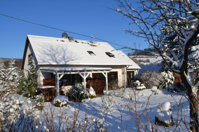 0740-02 Ooser Tälchen Haus Winter