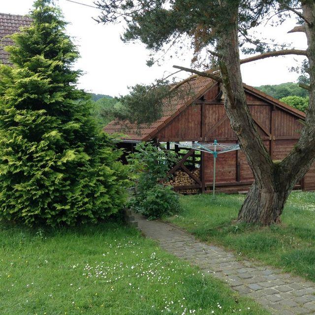 0740-04 Ooser Tälchen Haus Garten Bild 2
