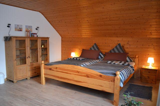 0740-09 Ooser Tälchen Haus Schlafzimmer 2