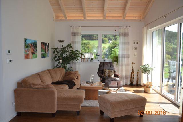 0740-16 Ooser Tälchen Bungalow Wohnraum