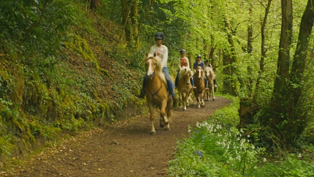 0397-05-Hotel-the-Dunloe-Complimentary-Horse-Riding