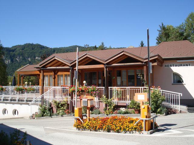 0743-12 Camping Rosental Roz Restaurant aussen