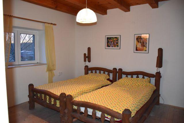0750-08 Tanya Boroka Schlafzimmer 1