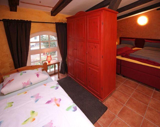 0757-22 Ferien am Schloss FeWo 05 Schlafzimmer 2