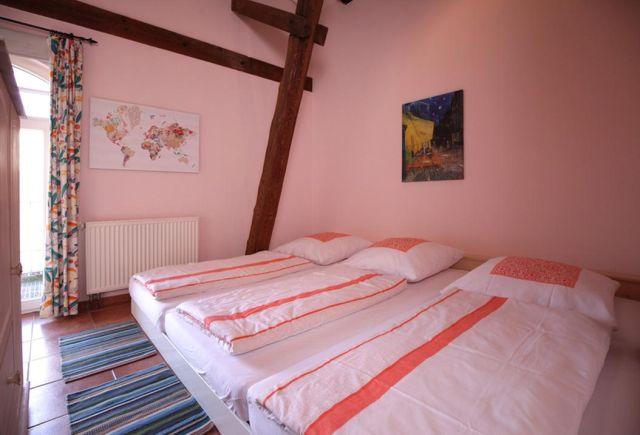 0757-27 Ferien am Schloss FeWo 06 Schlafzimmer 1