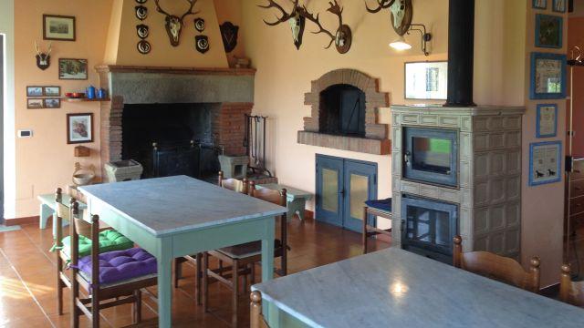 0777-08 Villa Farm Essbereich mit Kamin