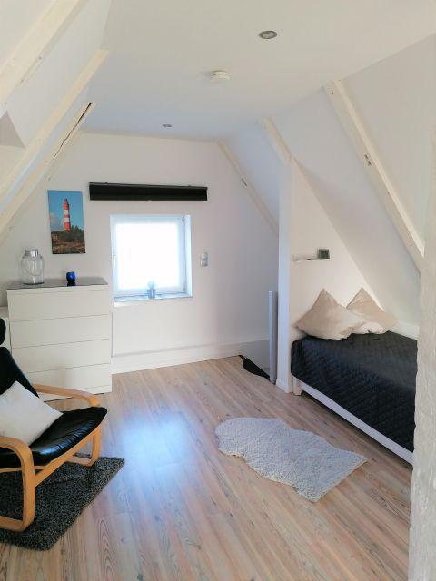 0780-10 Ferienhaus Mia Schlafzimmer 2