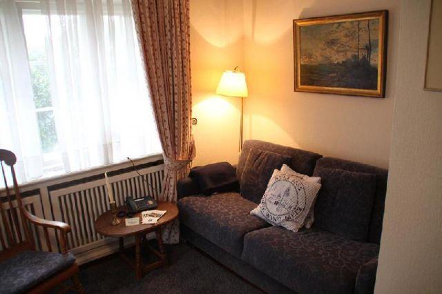 0781-12 Watthaus Garten Wohnen