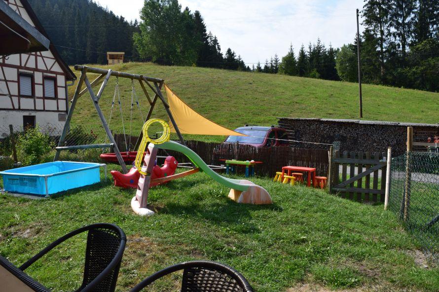 0796-02 Waldblick Spielplatz