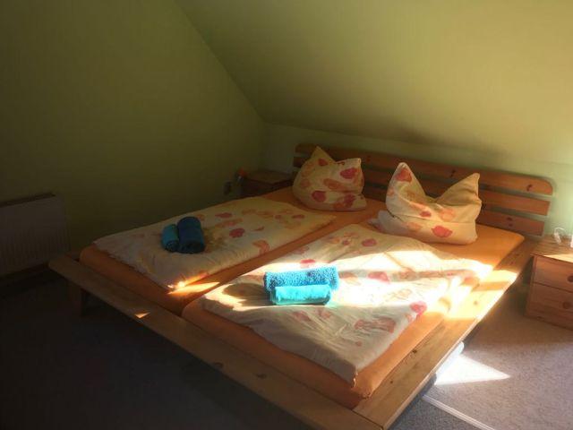 0802-06 Schlumm Bauernhaus Schlafzimmer 1