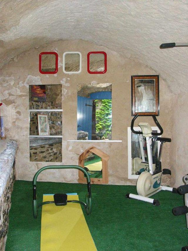 0803-27 FeHa Nagel Fitnessraum