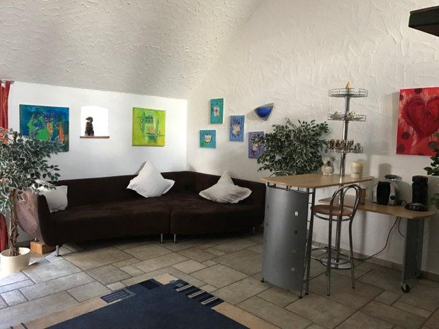 0805-08 Samaria Lounge