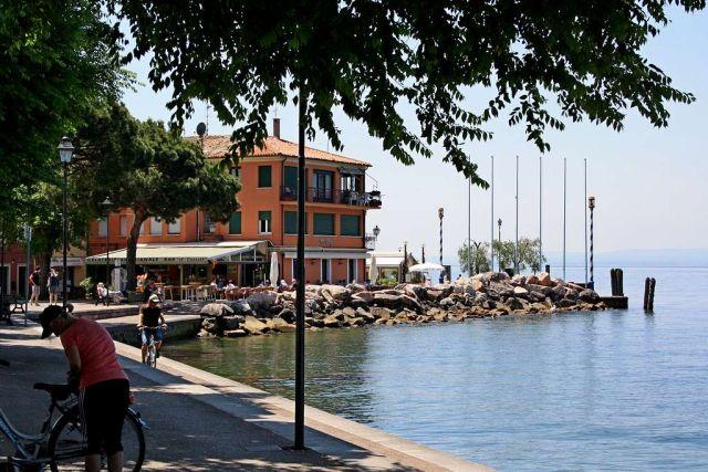 0810-04 Casa Fertonani Seepromenade