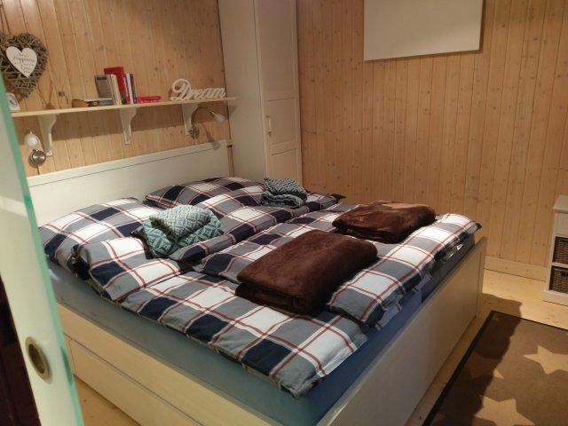 0829-12 Dornhecke Schlafzimmer 1