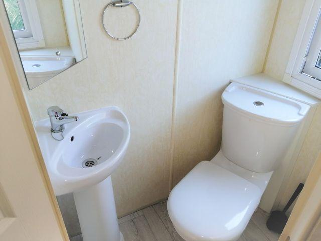 0830-12 Chalet Julia WC zu Schlafen 1