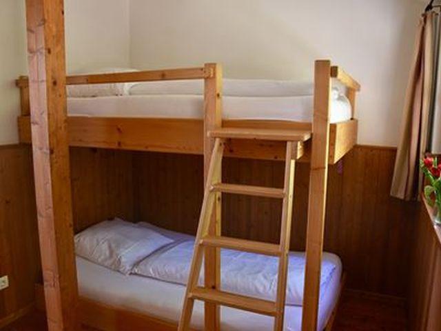 0831-09 Herrihof Chalet Schlafzimmer 3