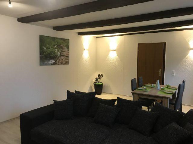 0833-03 Hexenpfote Wohnzimmer