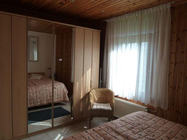 0834-11 Ferienhaus Kiss Schlafzimmer 1-2