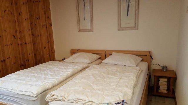 0834-11 Ferienhaus Kiss Schlafzimmer 1-1