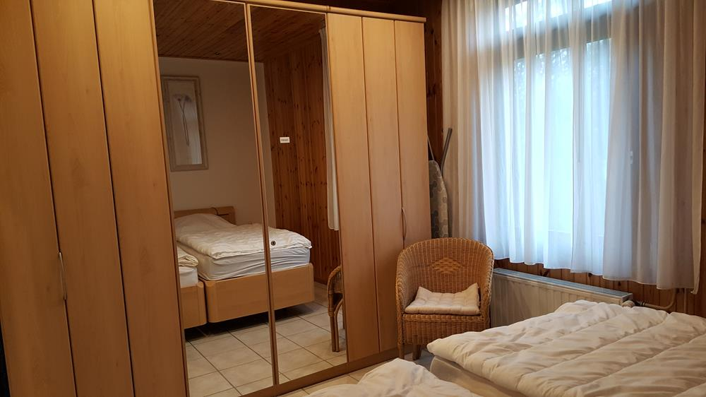 0834-12 Ferienhaus Kiss Schlafzimmer 1-2