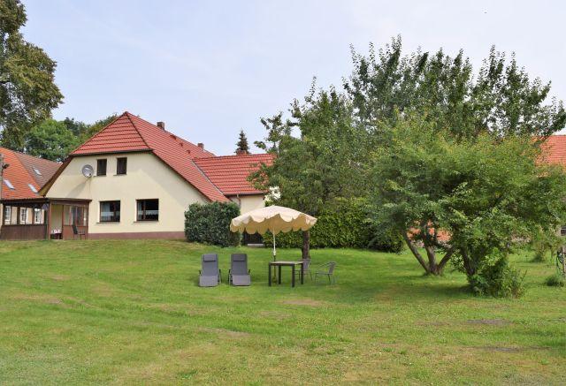 0837-02 FeHa Roggentin Garten