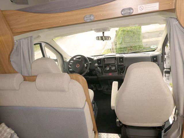 0844-05 Fellnasenmobil A464 Cockpit