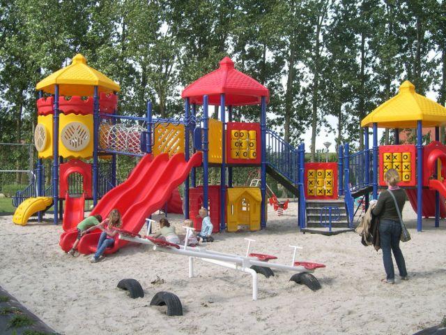 0849-11 Zwanenbloem Spielplatz