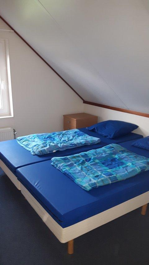 0850-09 Waterlelie Schlafzimmer 1