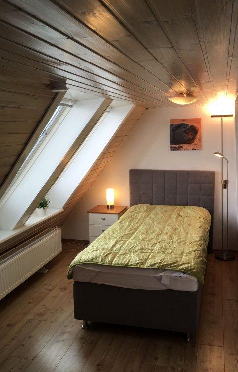 0858-14 FeHa Kronprinz Schlafzimmer 03 OG