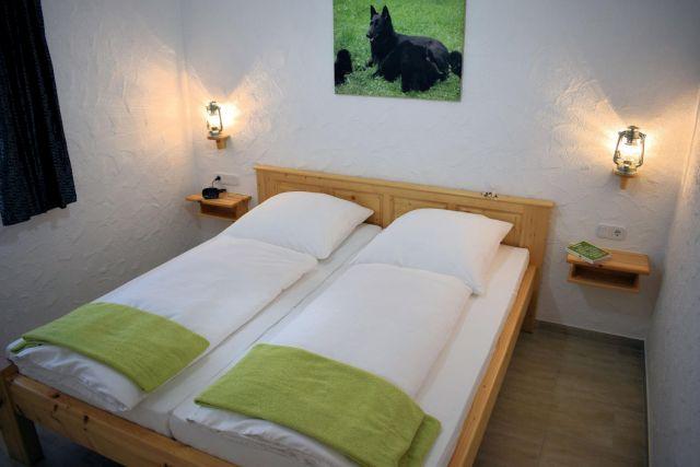 0859-07 Dachsbuesch Schlafen 1