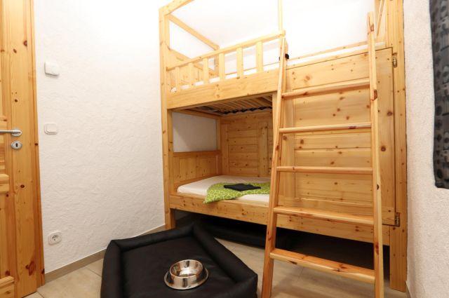 0859-08 Dachsbuesch Schlafen 2