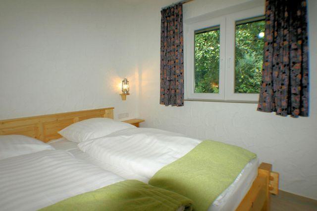 0859-18 Elchbuesch Schlafen