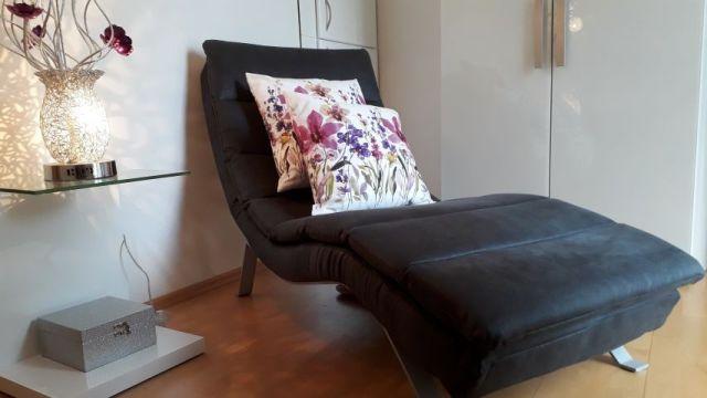0870-13 Allerheiligenkapelle Kleines Zimmer mit Couch