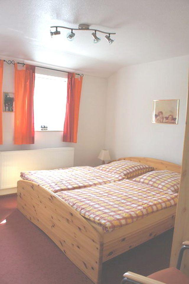 FeWo 4 Schlafzimmer 1
