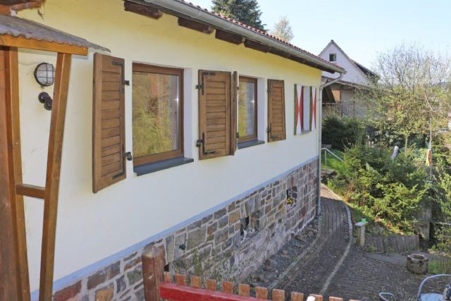 0867-04 Kleines Jagdhaus Terrasse