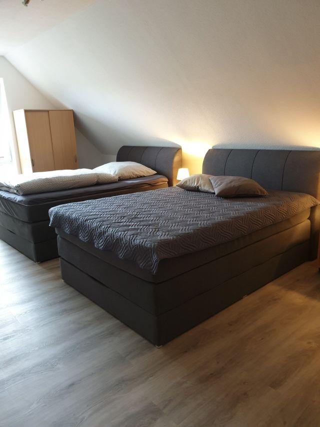 0879-07 Haus Maria Schlafzimmer 2