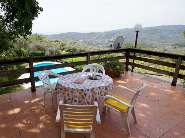 0887-03 Casa Canelli Terrasse 1-2