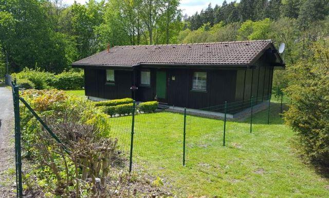 0889-02 FeHa Waldpfoten Haus mit Garten