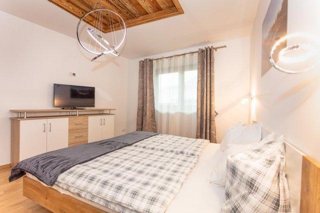0892-16 FeWo Waidring Steinplatte-Schlafzimmer 2